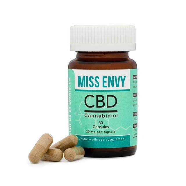 CBD Oil VS CBD Capsules (Comparison and Review)